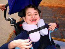 Необычная терапия: медики останавливают рост детей-инвалидов